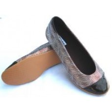 Woman Wave Brown Flat Shoes